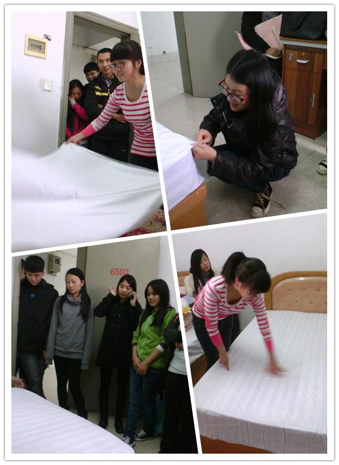 我系安排2012级旅游管理学生开展酒店客房铺床实训