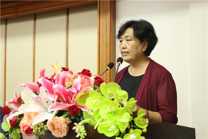 党委韩淑芳书记宣读表彰文件