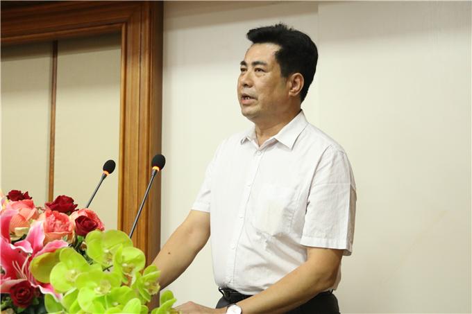 潮联会常务副会长兼秘书长陈英松讲话