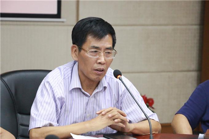 党委书记兼执行院长齐广武在会上讲话